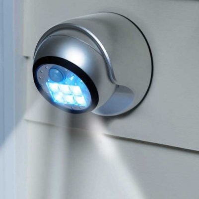 Motion lights add garage security